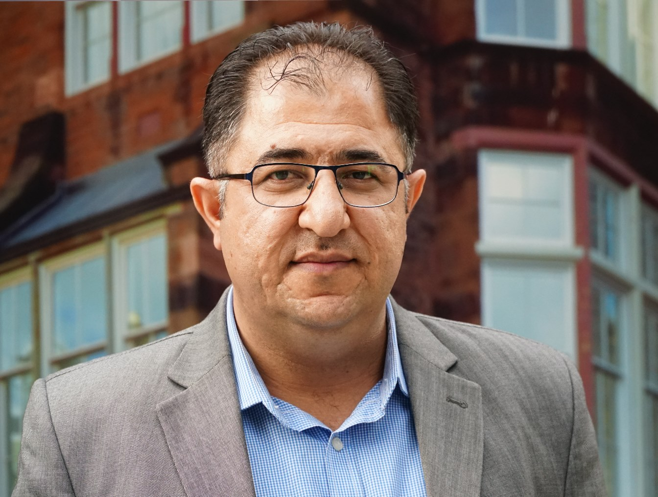 هيثم حسين : خبرة الكاتب لا يمكن أن تظلّ حكراً عليه